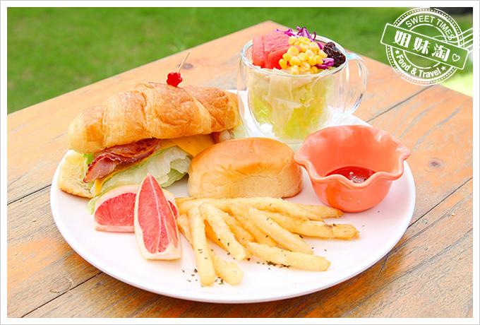 小琉球荷花軒早午餐巴黎可頌堡