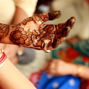 Wedding ceremony by Anurag Bhateja - Wedding Ceremony ( hindu, mehndi, hands, wedding, hina, india, bride )