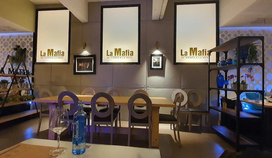 Foto La Mafia se sienta a la mesa 12