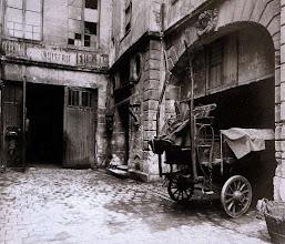 Photo: Antigua escuela coral  Saint.- Eustache , 25 rue du Jour (1 arr), 1902 .- EUGÈNE ATGET