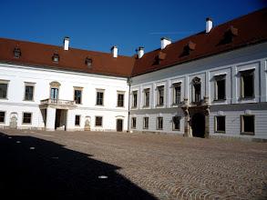 Photo: Esterházy-kastély udvar - Pápa