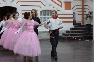 """Photo: """"Гранд Ассо 2011"""". Фестиваль классического фехтования в С.-Петербурге. Дамы приглашают кавалеров."""