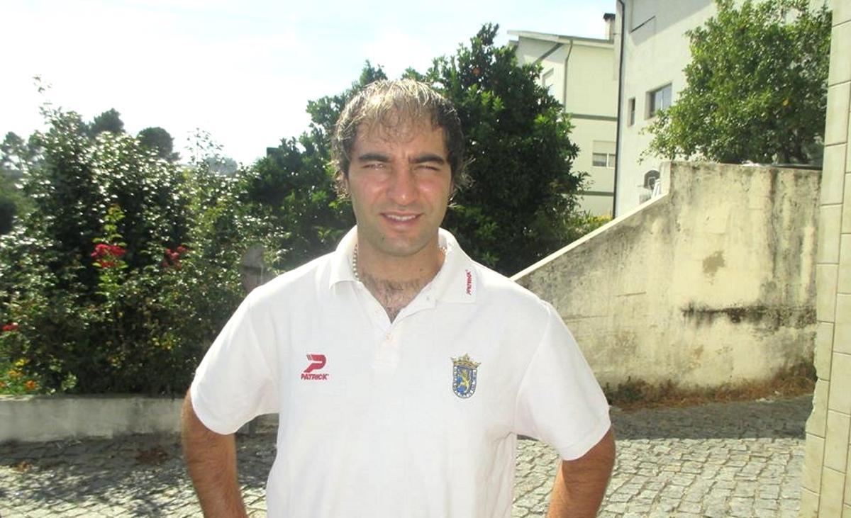 C:\Users\TOSHIBA\Desktop\BANCADA DISTRITAL\Pedro Ribeiro continua a ser treinador do FC Vila Boa de Quires.jpg