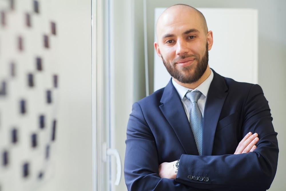 Samir, Manager