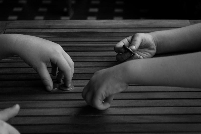 le mani che giocano di marco.tubiolo photography