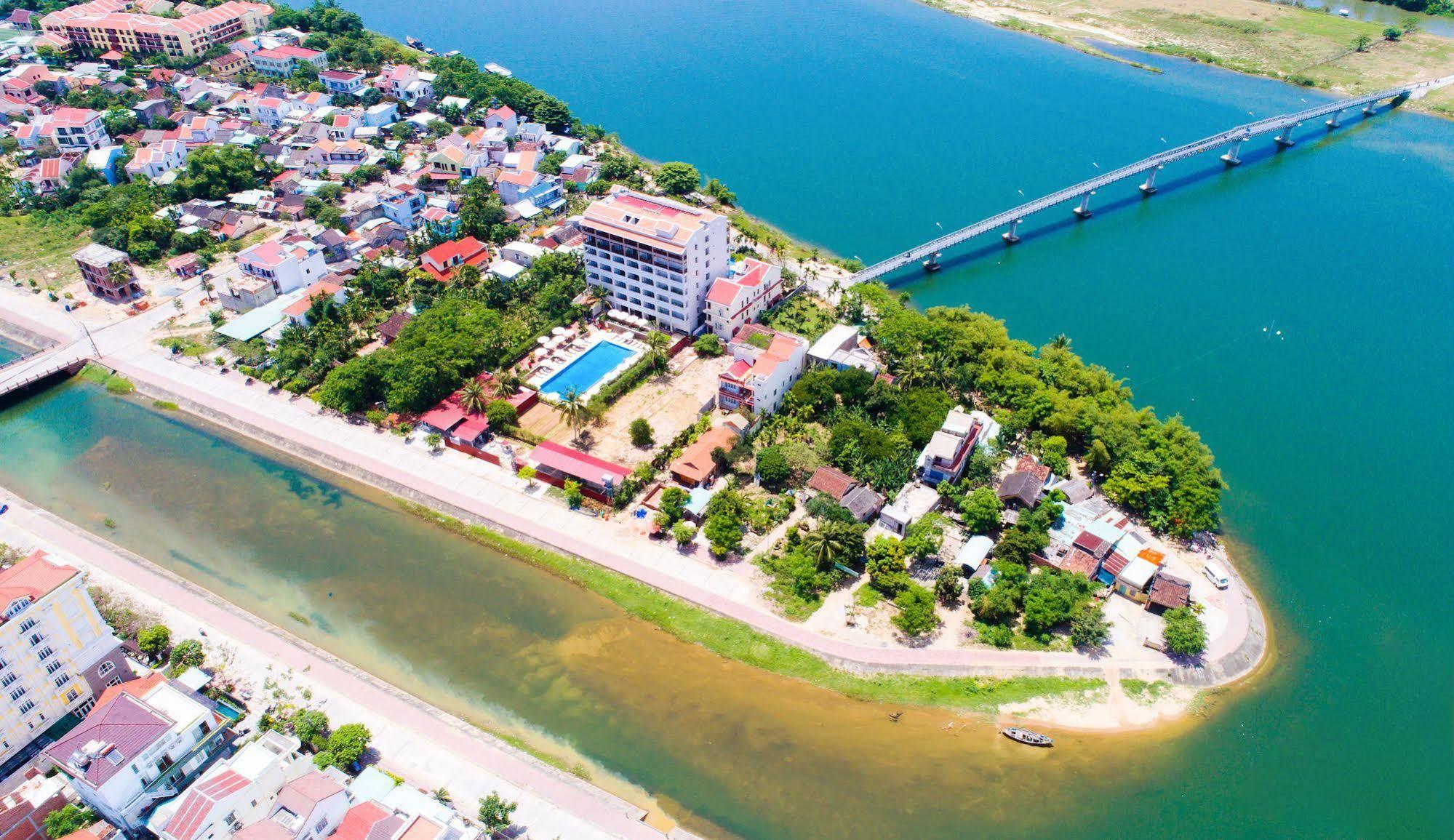 Hoi An River Town Hotel