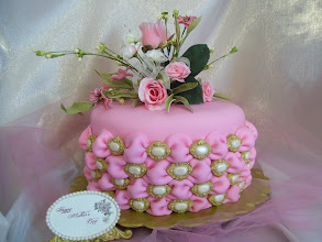 Photo: Tufted Billow Weave Mother's Day Cake by Linda Wolff (5/12/2012) View cake details here: http://cakesdecor.com/cakes/15161