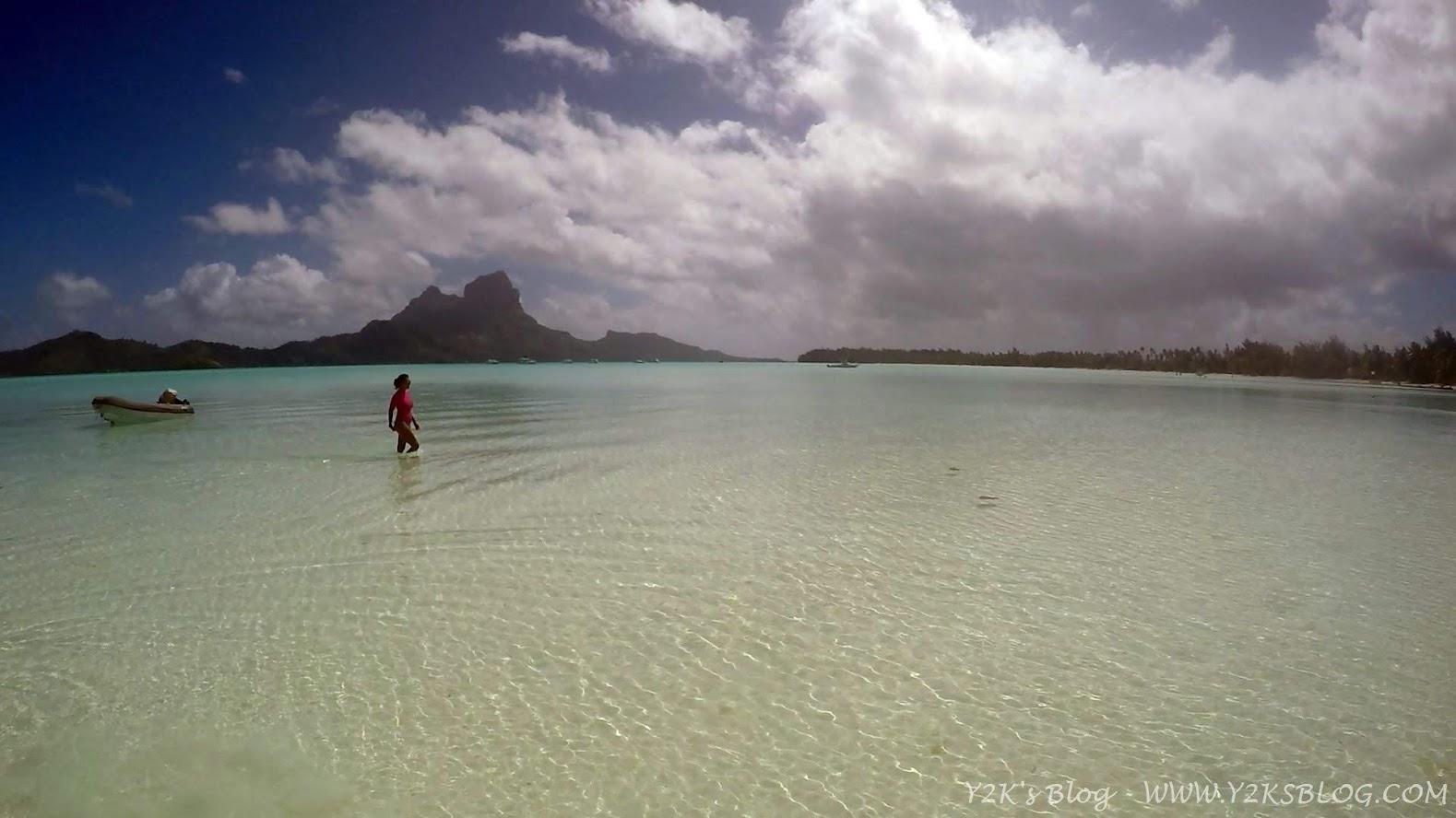 A spasso sul bagnasciuga. Ancoraggio SE - Bora Bora