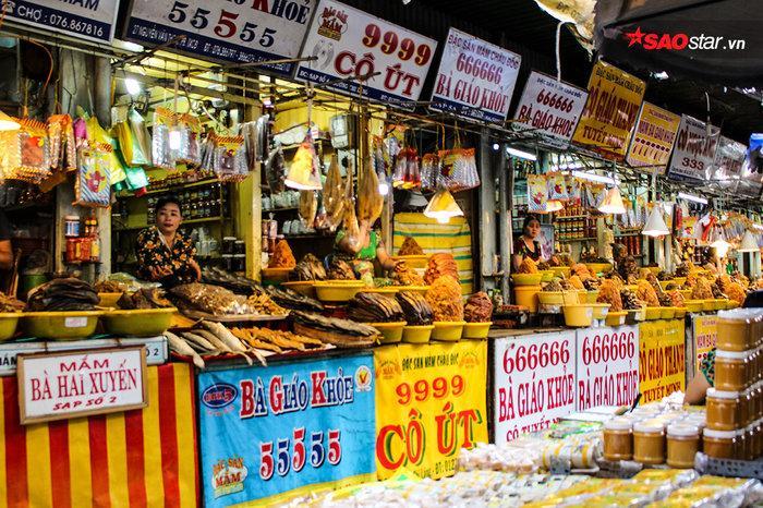 Châu Đốc - Chợ mắm1.jpg