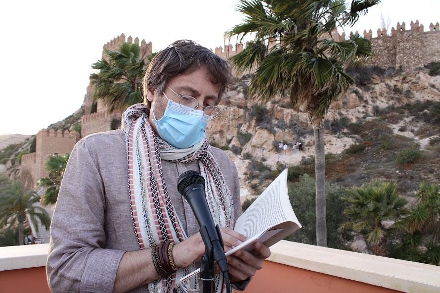 Miguel Angel García cerró la lectura de relatos.