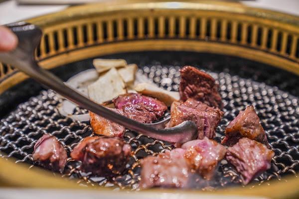 CNN最推薦的韓國烤肉 『Maple Tree House』隋棠老公引進台灣的韓國燒肉品牌、台北最時尚的燒肉店、韓國小菜吃到飽、免動手燒肉