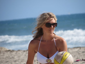 Photo: Volleyball, Mission Beach