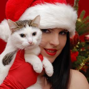 Santa girls by Nadezda Tarasova - Public Holidays Christmas ( women, lady, red )