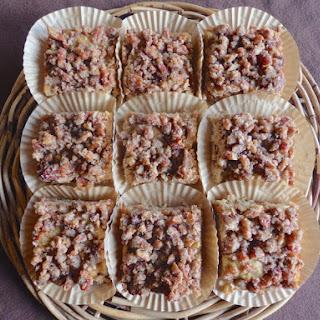 Cinnamon Pecan Crumb Cakes