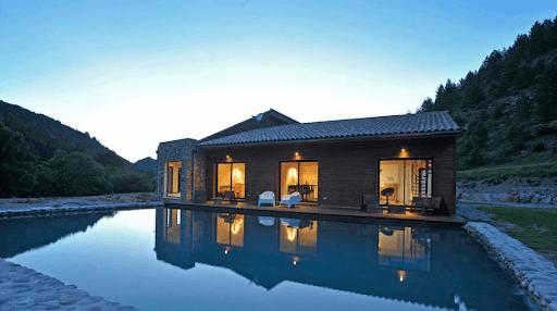piscine-nuit-calme-relâchement-zen
