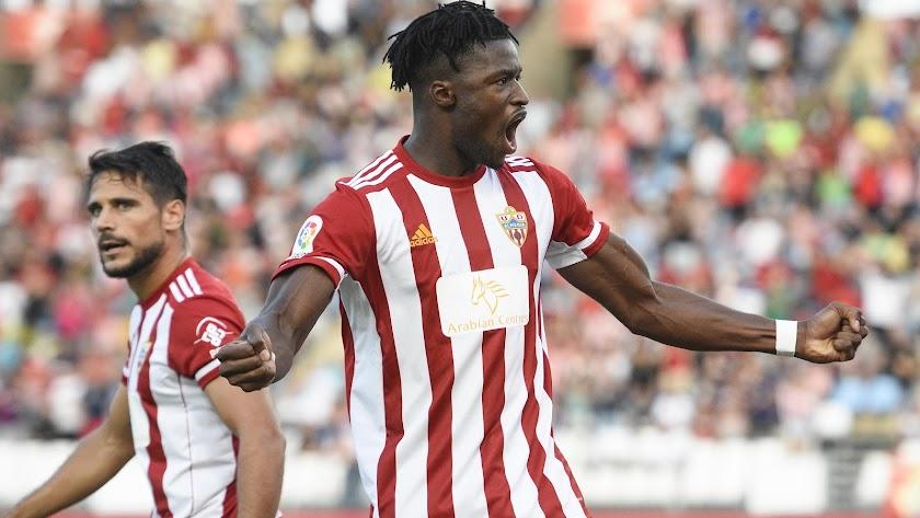 Sekou Gassama celebrando su gol ante el Huesca.