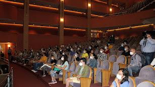 El Auditorio Maestro Padilla acogió la recepción de los auxiliares de playa.