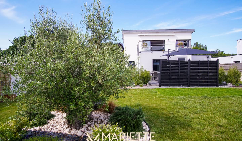 House with terrace Concarneau