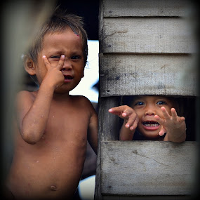 Bye bye.... by Azmi Han - Babies & Children Children Candids