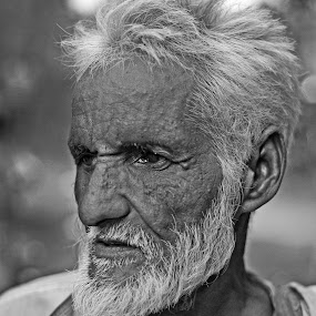 Portrait Of The Old Man... by Kausik Das - People Portraits of Men ( canon, india, people, portrait, man )