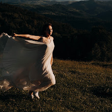 Wedding photographer Anna Belousova (belousova93). Photo of 10.07.2018