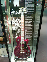 Photo: A real Les Paul guitar!