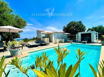 Villa 5 pièces 187 m2