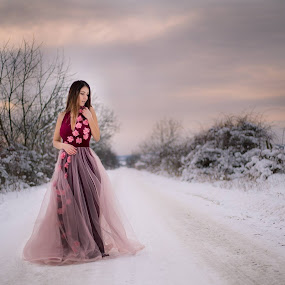 sunset winter by Raluca Bălan - People Fashion ( canon, winter, sunset, snow, landscape, photography, portrait )