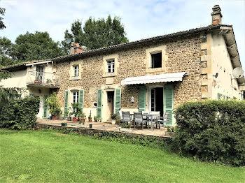 propriété à Souvigne (79)