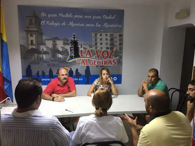 La Voz de Algeciras critica la política de postureo del PP en el aumento de puestos de la policía local