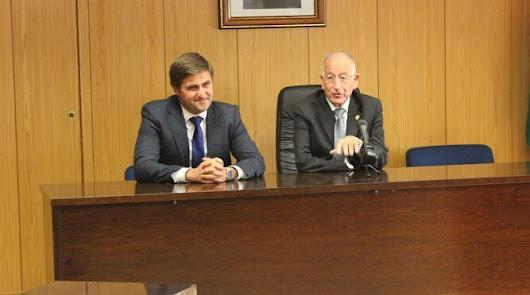 El alcalde preside las mesas sectoriales del plan de activación de empleo