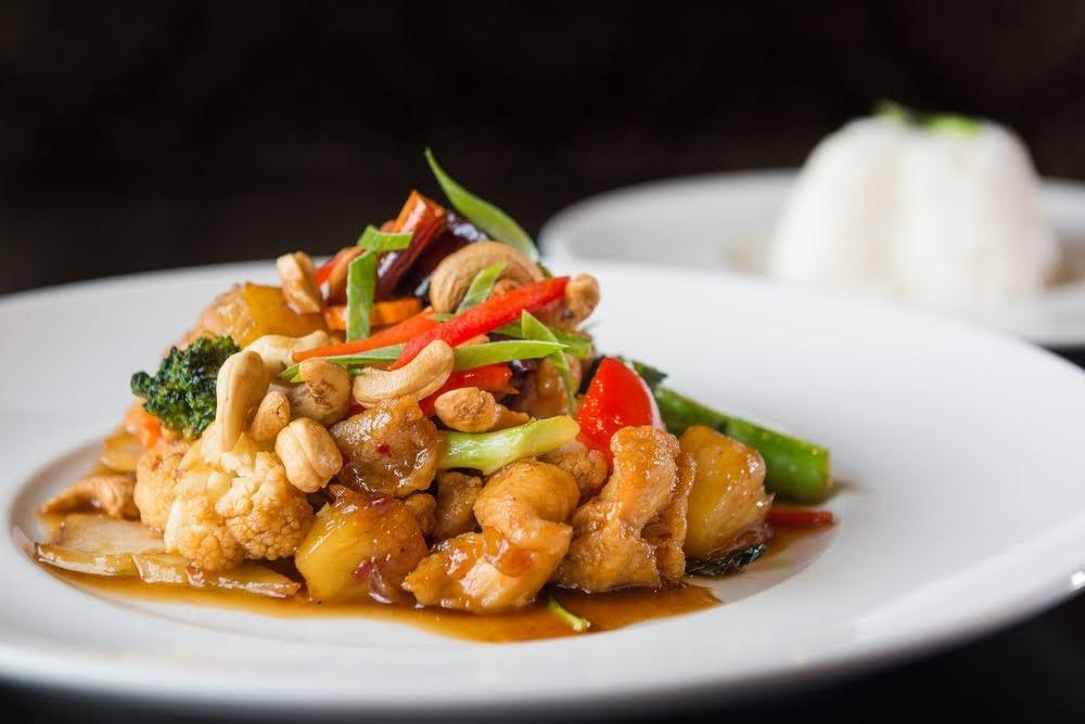 pollo con anacardos tailandes