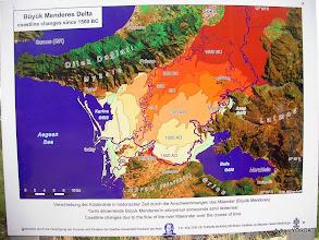 Photo: M.Ö. 1500'lü yıllardan bu yana Büyük Menderes Nehri'nin alüvyonlar ile doldurarak Bafa'yı göl haline getirdiği delta.  Priene Z Yolu - KURŞUNLU Manastırı - Radon Termal Faaliyeti - 26.10.2014