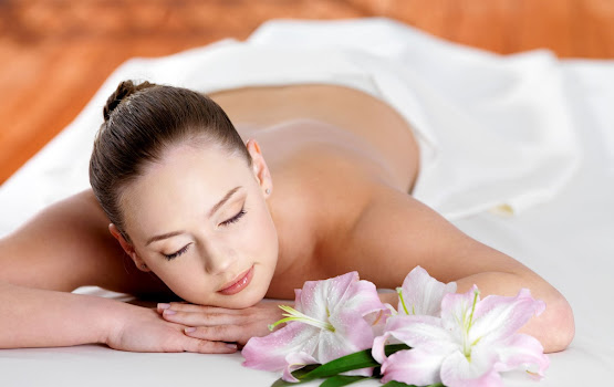 Body spa treatment at Neo-Derm
