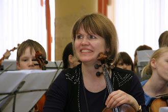 Photo: Ingrid Wilassen - концертирующая скрипачка и инструктор во время семинаров. Участие в семинаре профессиональных артистов и преподавателей музыкальных школ создаёт прекрасную творческую атмосферу, увлекающую всех участников.