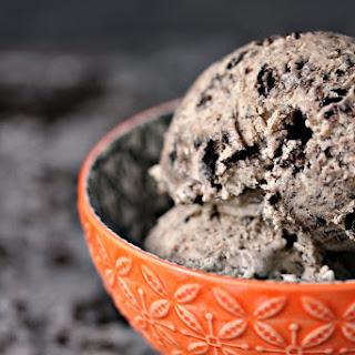 No Churn Cookies and Cream Coffee Ice Cream
