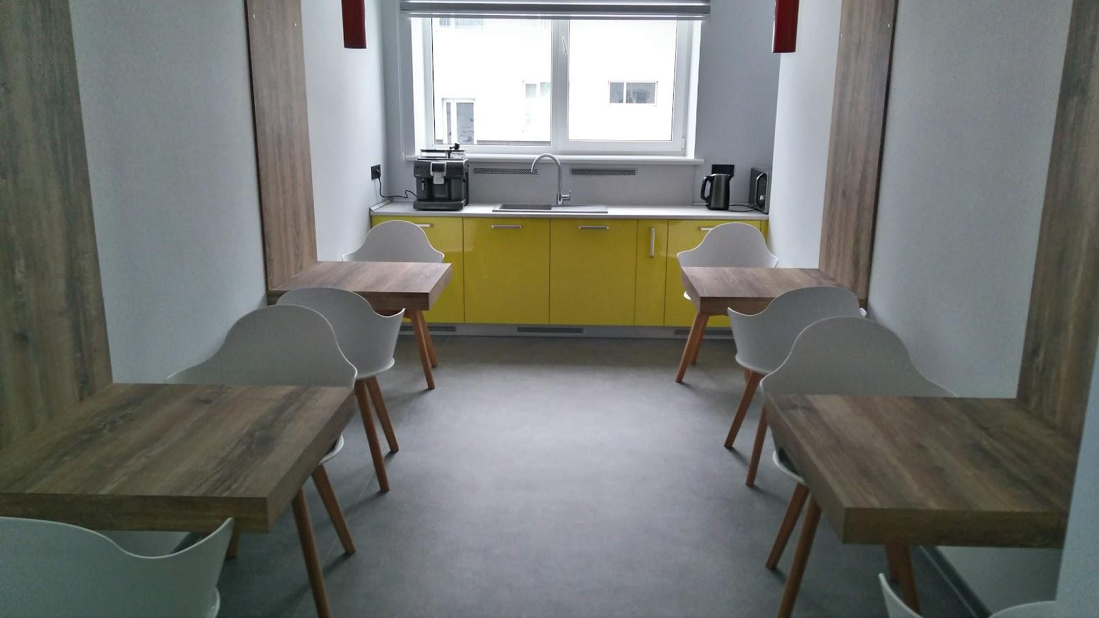 Кухня, фасады с пластиком hpl