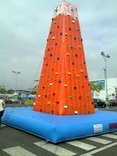 Photo: rocodromo hinchable