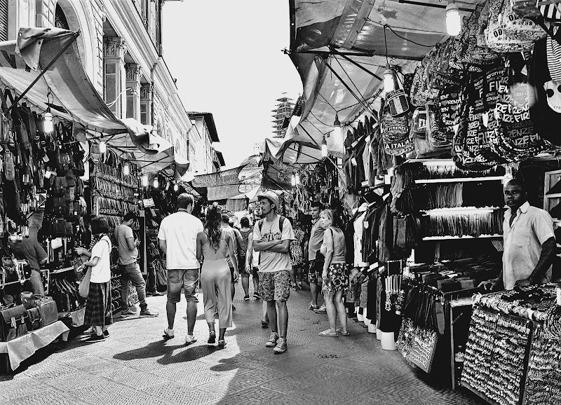 Al mercato di Francesco Abate