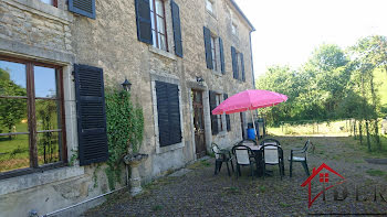 château à Savigny (52)
