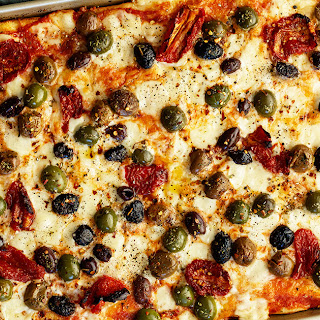 Baking-Sheet Pizza with Olives and Sun-Dried Tomatoes.