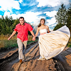 Wedding photographer Sergey Strizhonok (BelyjLev). Photo of 25.02.2015