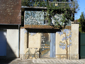 Photo: This small building boasts a charming trompe l'oeil façade.