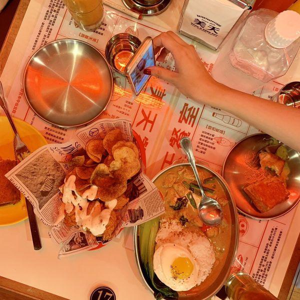 美天餐室滿滿復古風 西多士切開滿滿的鹹香爆出來