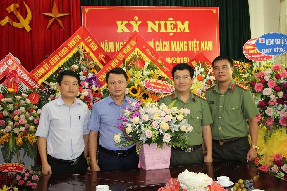 Sở Nông Nghiệp và PTNT tỉnh Nghệ An chúc mừng Báo Công an Nghệ An