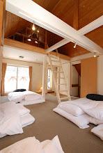 Photo: 2階の 寝室 ロフトもあります。 扉の奥には小部屋があります。 2层阁楼的寝室 门内有小房间。 Bedroom on  2F with a small room inside the door