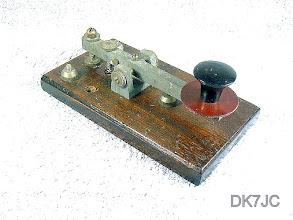 """Photo: Mittelschwere Taste auf Holzbasis  v.Signalling Eqt. Ltd. Potters Bar Mod. 2/NP.   """"G""""  #258"""
