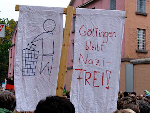 Photo: Antifa  Aufmarsch im Goettingen 28.10.06