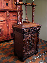Photo: Linen press. Clearly not Black and Decker...