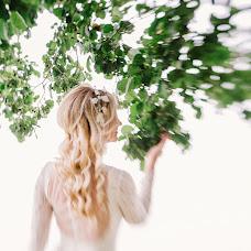 Wedding photographer Darya Andrievskaya (DaryaA). Photo of 03.10.2015